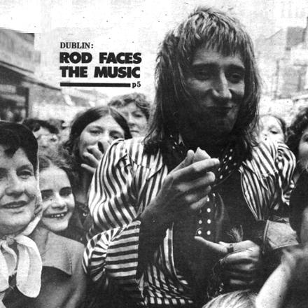 Rod Stewart & Britt Ekland- Dublin, NME August 1975